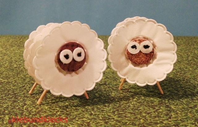Schaf aus Korken und Tropfenfängern