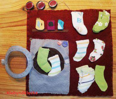 Waschmaschine und Wäsche aus Filz und Stoffresten genäht