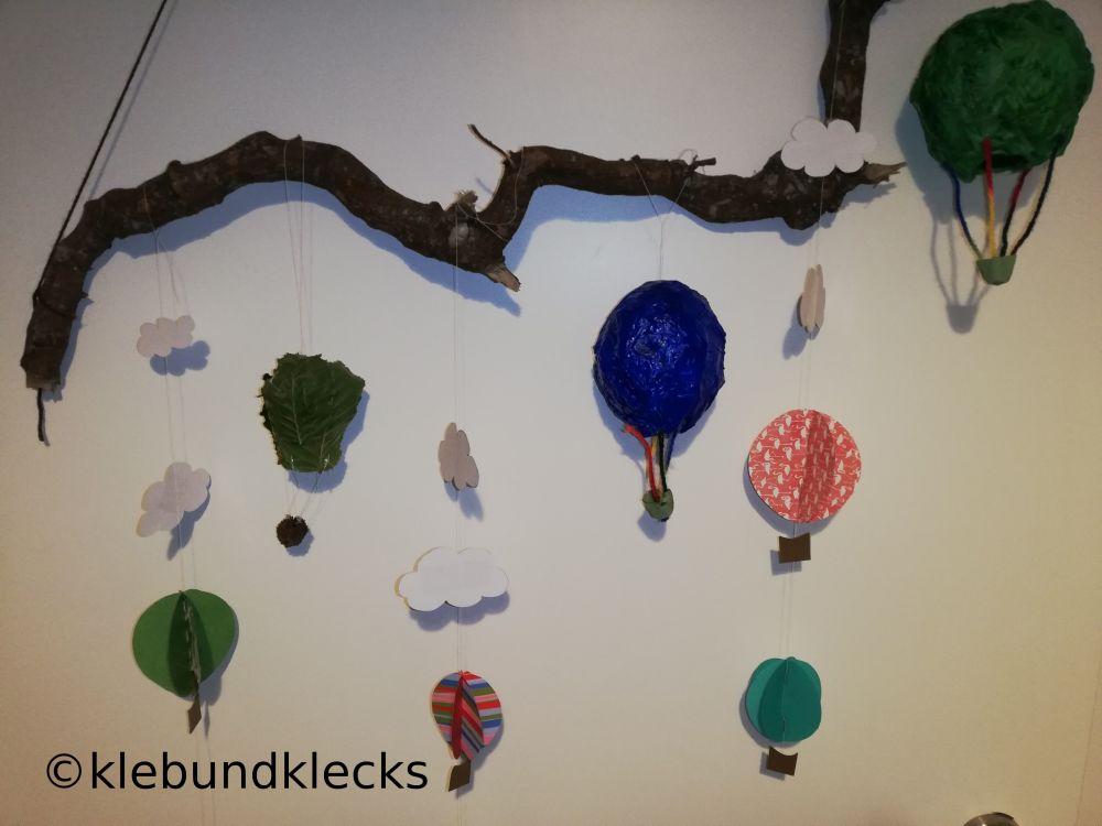 Heißluftballon aus Papier, Pappmache und Blättern