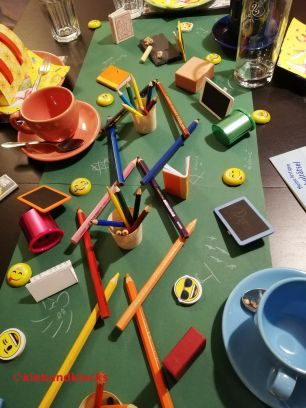 Tischdekoration Mottoparty Schule