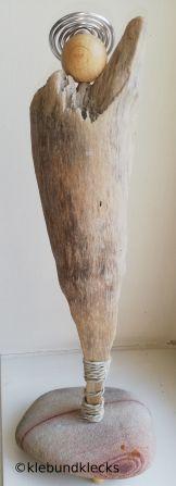 Holzengel aus Schwemmholz