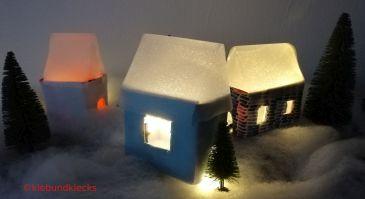 Winterdorf aus Karton und Effekt-Folie