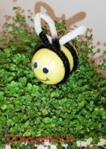 selbstgebastelte Bien