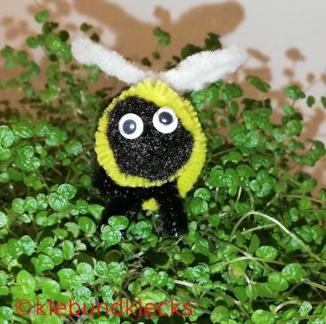 Bienen aus Pfeifenputzer