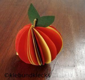 Äpfel aus Papierkreise