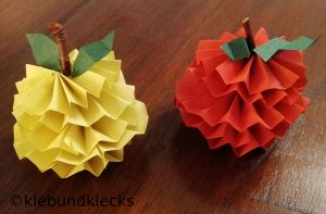 Äpfel aus Papier