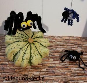 gebastelte Spinnen