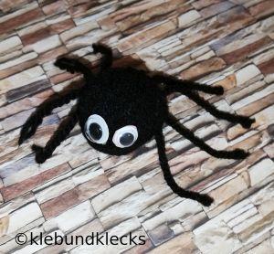 Spinne aus Wolle