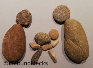Weihnachtskarte mit Krippe aus Steinen