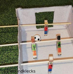 Fußballspieler aus Wäscheklammern